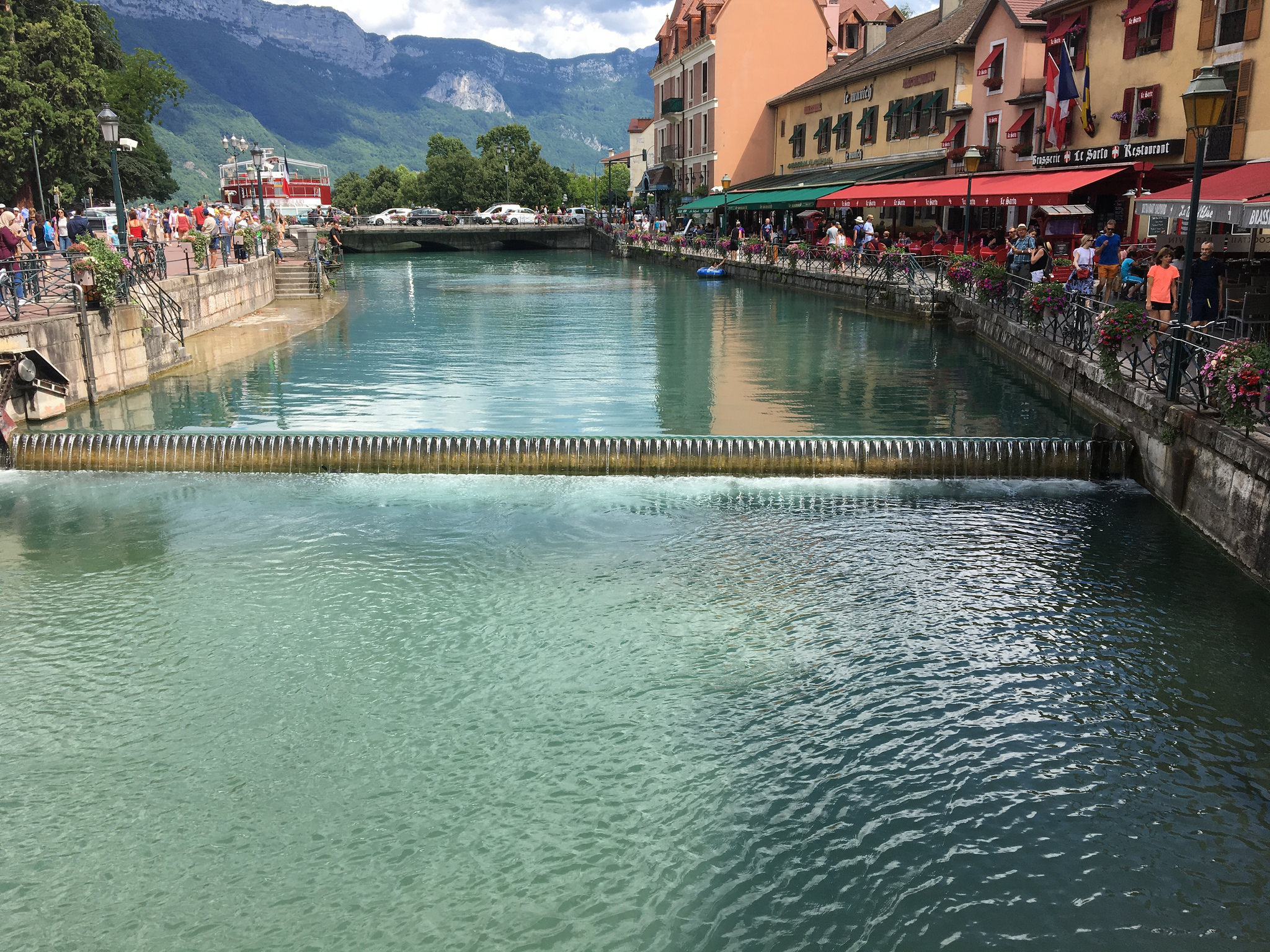 annecy village canal cute